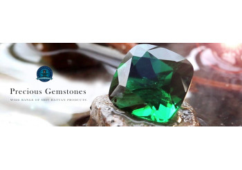 Here Is How Wearing Emerald Can Benefit You